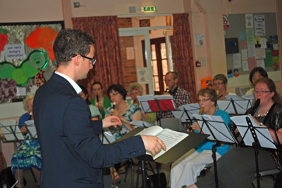 Ian Wilson conducting a playing day